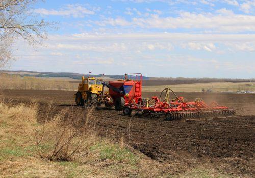 Ильшат Фазрахманов рассказал о ходе весенне-полевых работ в республике