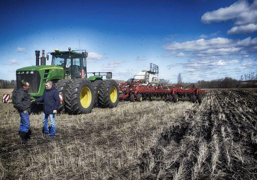 Минсельхоз РФ: Россия обеспечена трудовыми ресурсами для проведения сезонных полевых работ